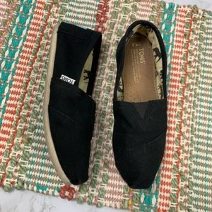 Toms Classic Canvas slip-ons flats black W 6.5
